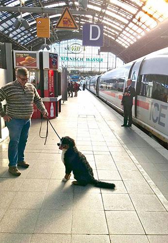 Training auf dem Bahnhof in Köln