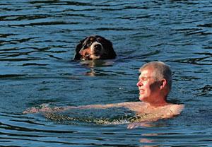 Thomas beim Schwimmen